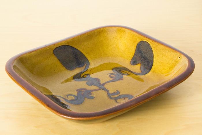 湯町窯|スリップ十字角皿(6号)