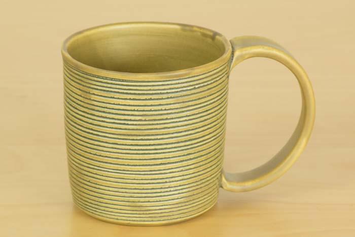 照井壮|黄釉線刻マグカップ