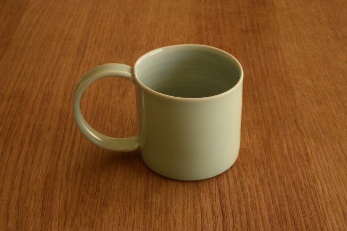 照井壮|青白磁マグカップ