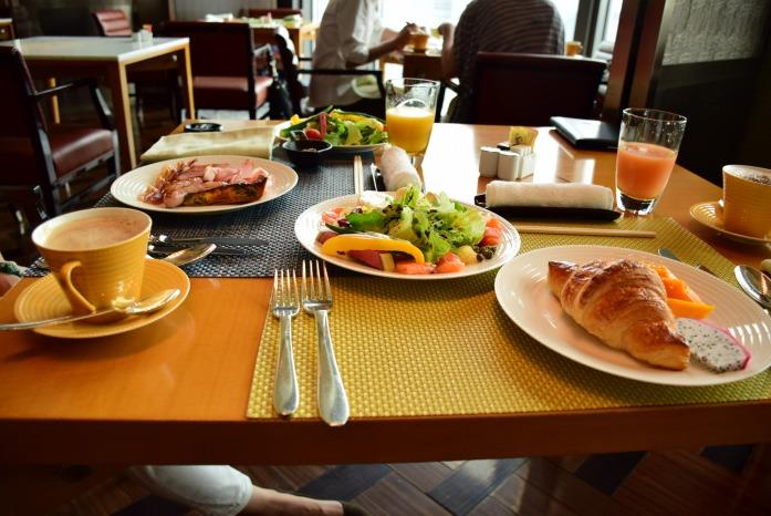 たまにはホテルの朝食に