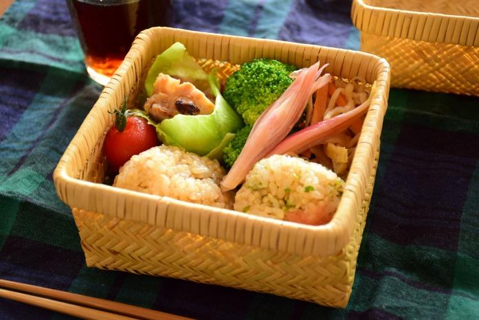 ひとりごはん 玄米おむすび弁当