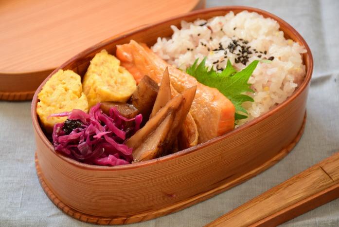 そうこのお弁当:3月2日(水)|焼鮭(ハラミ)弁当