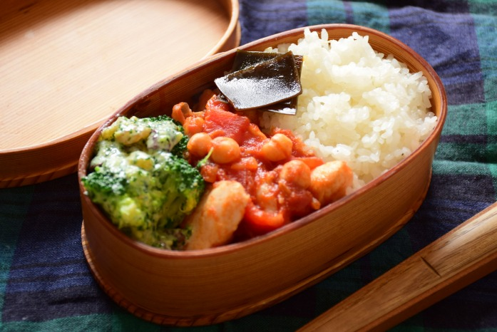 そうこのお弁当:3月8日(火)|鶏肉とひよこ豆のトマトスパイス煮込み弁当