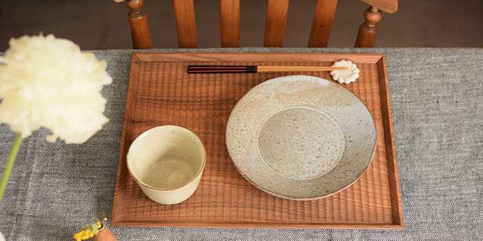 加賀雅之さん彫り盆
