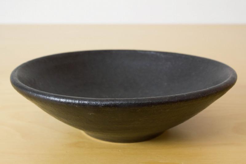 中村恵子|黒釉小鉢