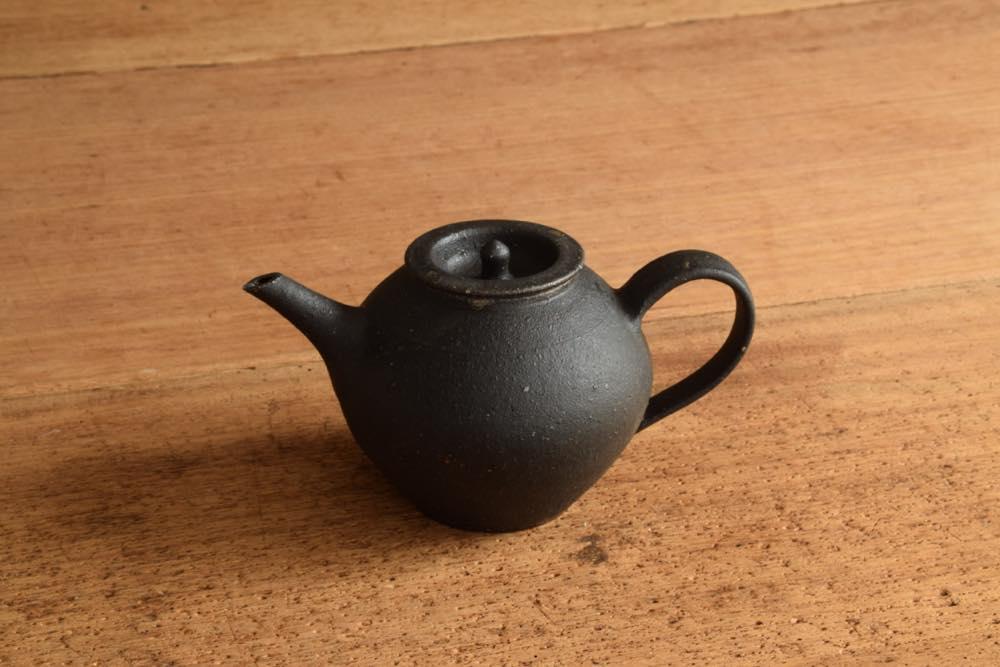 角掛政志 黒釉ポット 紅茶にも日本茶にもお好きなお茶でどうぞ