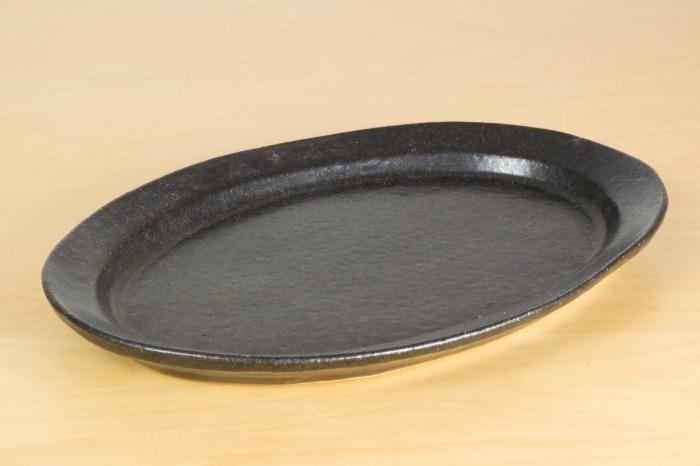 中村恵子|黒釉楕円皿