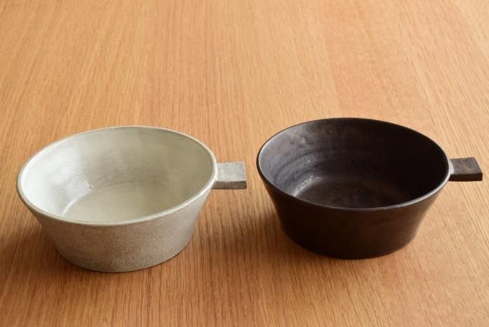 戸塚佳奈|黒片手鉢(浅) 色違い