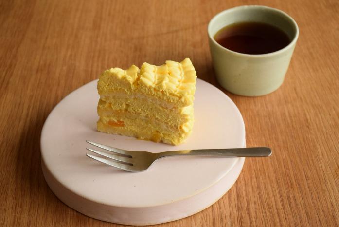 直井真奈美|桜台皿(16cm) 普段の暮らしをおしゃれにしてくれます。