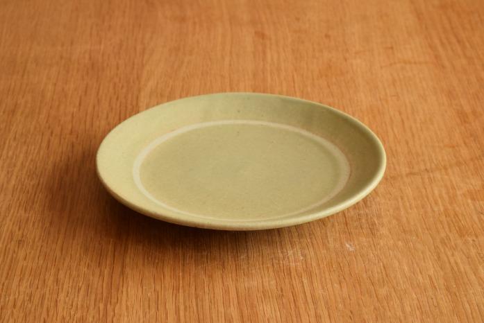 沖澤 真紀子|グリーンリング皿(15cm) 楽しいティーパーティーが頭に浮かびます