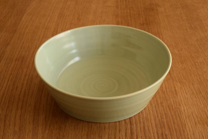 照井壮|青白磁どら鉢(大)  艶のある青白磁がとっても上品