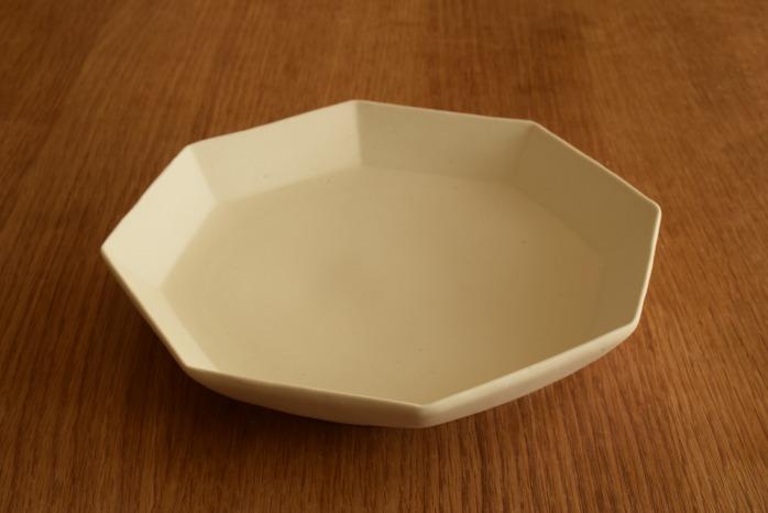 照井壮|粗磁土八角皿 マットですべすべした質感が気持ちいい