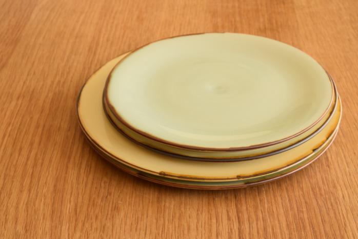 照井壮|プリン釉盤皿(7寸) 並べたところ