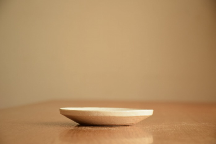 石川若彦|粉引リム皿(No.2) 水平