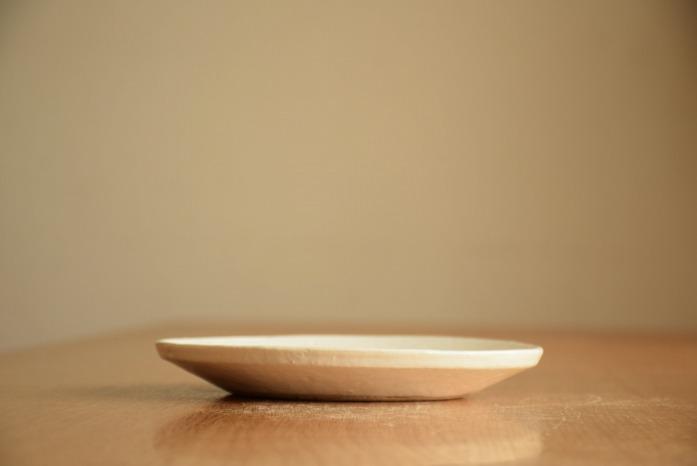 石川若彦|粉引リム皿(No.4) 水平