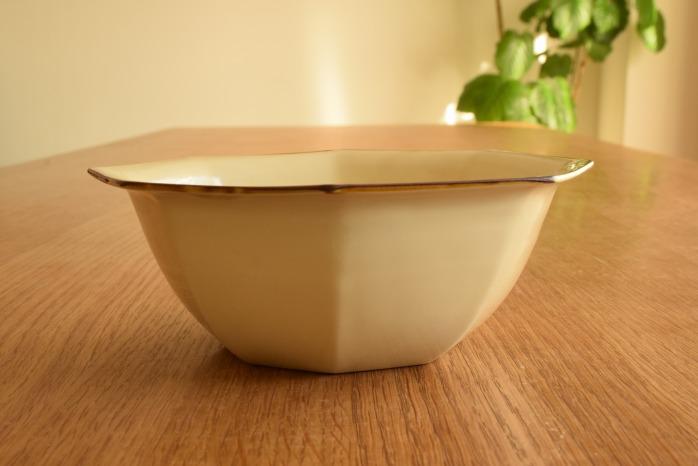 照井壮|プリン釉八角鉢 水平