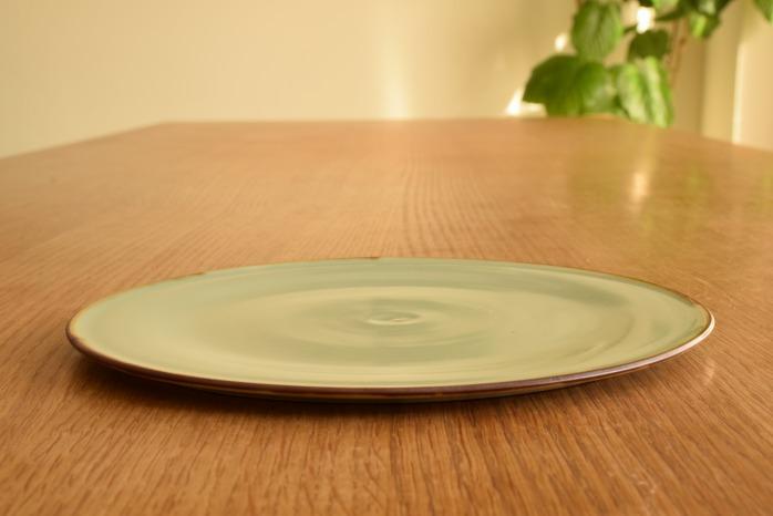 照井壮|フチサビ青白磁盤皿(7寸) 水平