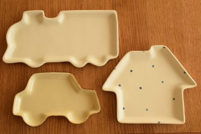 照井壮|プリン釉くるま皿 並べたところ