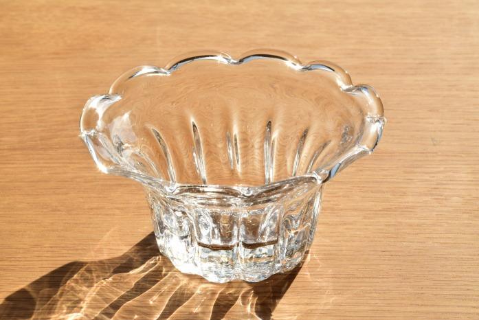 沖澤 康平|リンカ(鉢) 正面 お花の形のかわいらしい小鉢