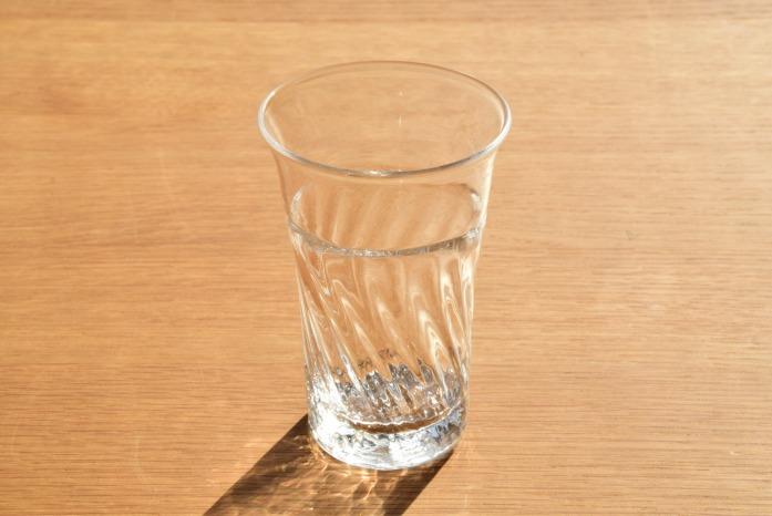 沖澤 康平|Classic(グラスS) 正面 光があたる姿も楽しんで