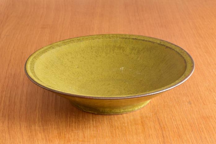 中村恵子|深緑リム皿(中) 正面 和にも洋にも使えてこれぞ持ってて損なし!なうつわです。