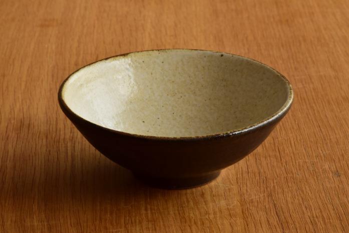 中村恵子|黒飯椀(大) 正面 形がユニークだから小鉢としてもどうぞ