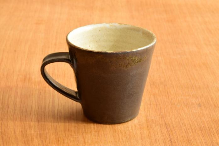 中村恵子|黒マグカップ たっぷり飲めるかっこいいマグカップです。