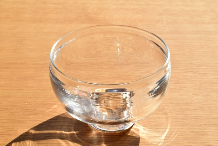 沖澤 康平|椀(S) 正面 美しきガラスのお椀