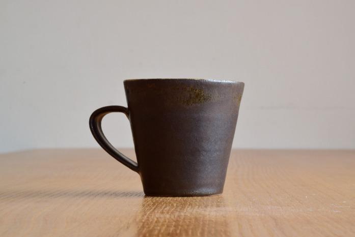 中村恵子|黒マグカップ 水平