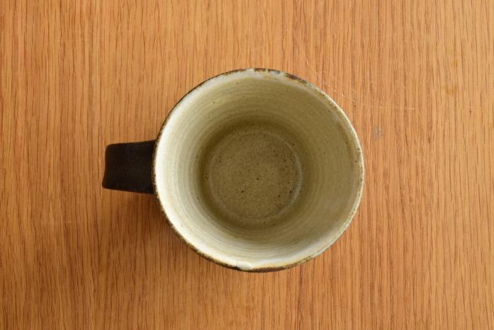 中村恵子|黒マグカップ ふち・表