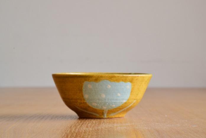 沖澤 真紀子|イエローHana茶碗 水平① 二人展の際の作品となります。