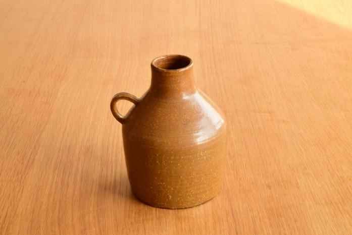 沖澤 真紀子|取っ手付き花器(C) 二人展の際の作品となります。