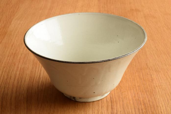 村上雄一|粉引マカイ(6寸) 水平① マカイ=沖縄の言葉で「碗」