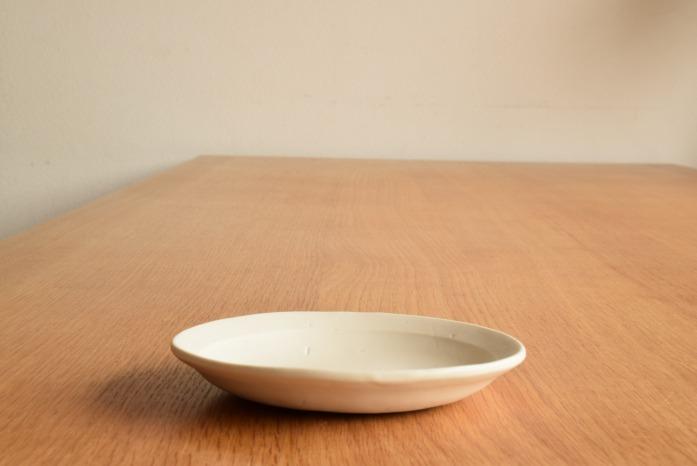 照井壮|粗磁土小皿 水平