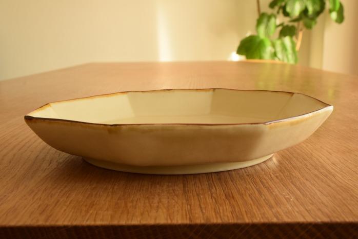 照井壮|プリン釉八角皿 水平