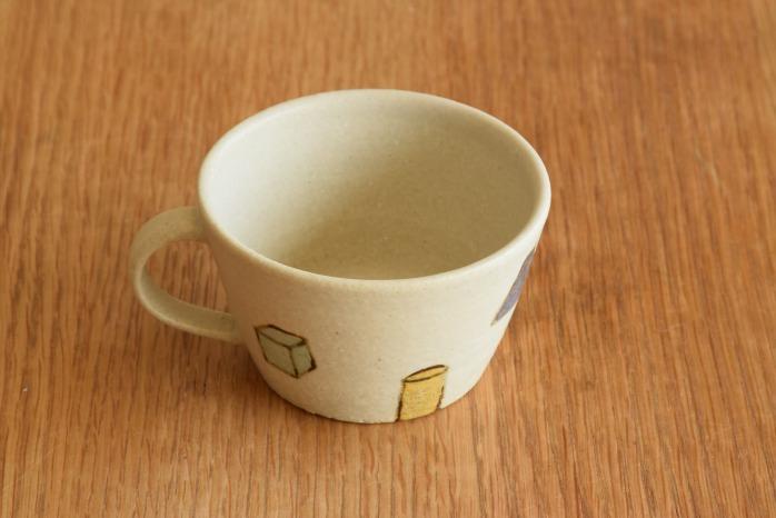 沖澤 真紀子|こどもマグカップ(ホワイト・積み木) 個展の際の作品となります。