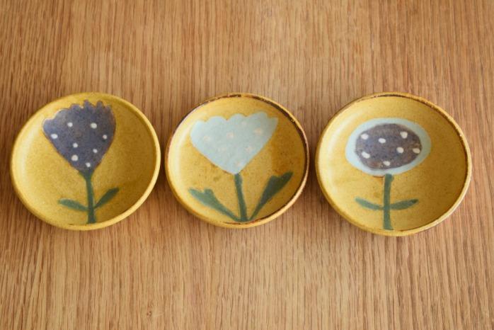 沖澤 真紀子|イエローhana豆皿 個展の際の作品となります。