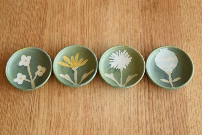 沖澤 真紀子|ブルーグリーンhana豆皿 個展の際の作品となります。