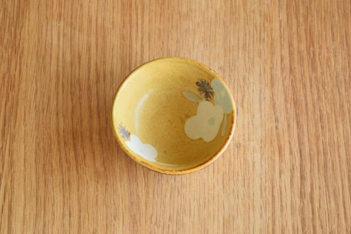 沖澤 真紀子|イエロー豆鉢 個展の際の作品となります。