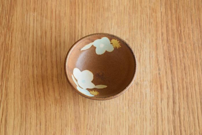 沖澤 真紀子|茶豆鉢 個展の際の作品となります。
