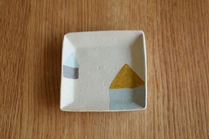 沖澤 真紀子|茶ミニ角皿 個展の際の作品となります。