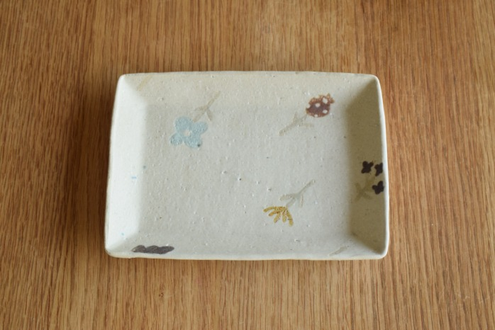 沖澤 真紀子|ホワイト長角皿 個展の際の作品となります。
