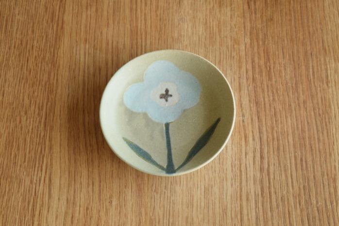 沖澤 真紀子|グリーンおつまみ皿 個展の際の作品となります。