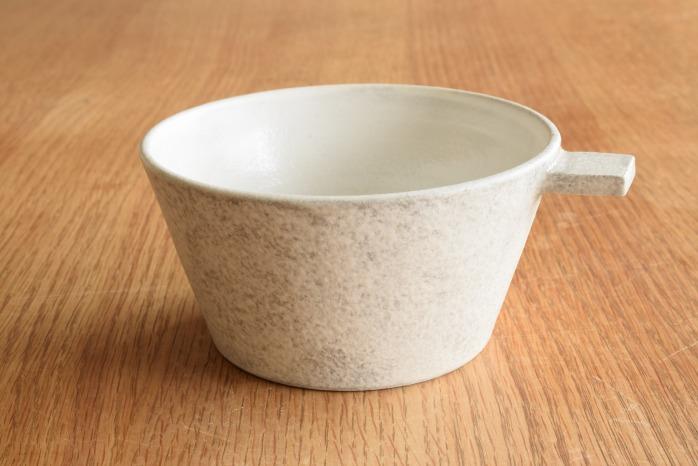 戸塚佳奈|白片手鉢(大) 正面