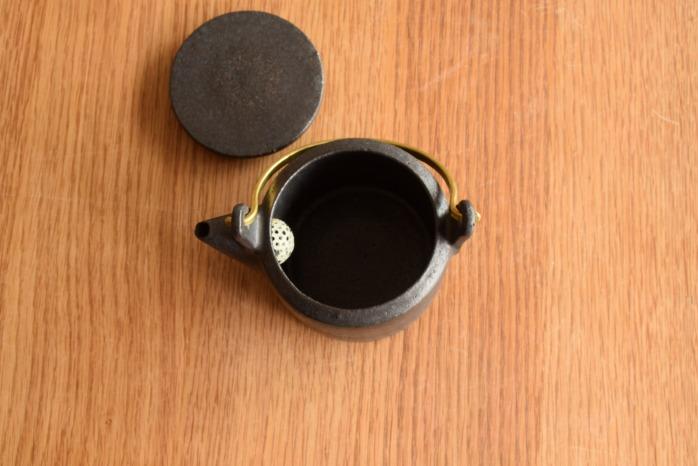 石川若彦|黒真鍮手付きポットM 俯瞰・表