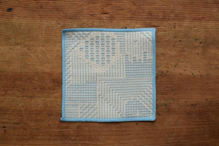 十布|刺子織のコースター(ライトブルー)温かい刺子織のコースター