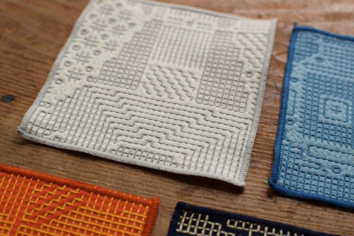 十布|刺子織のコースター(オフホワイト) 正面