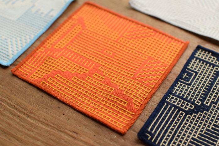 十布|刺子織のコースター(レッド) 正面