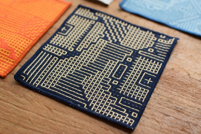 十布|刺子織のコースター(ネイビー) 正面
