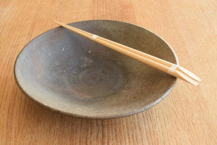 大内工芸|丸皮付菜箸 水平 表